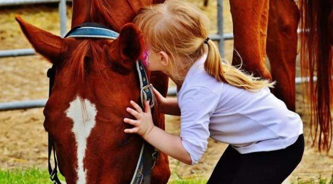 """Tramonti: il 2 giugno appuntamento con """"Bimbi giochi e cavalli"""""""